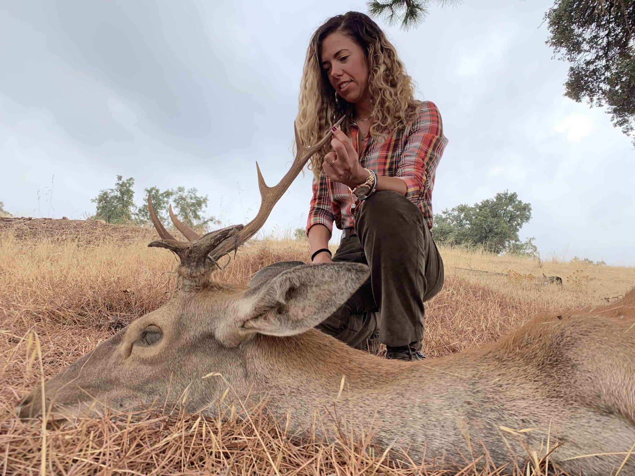 la caza como herramienta de gestion, mujeres cazadoras, pilar escribano cupolibre